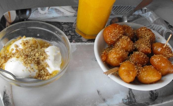 Il cibo di Rodi per chi ha intolleranze alimentari dolcetti e yogurt